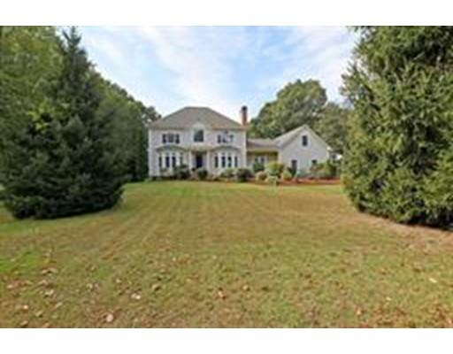 واحد منزل الأسرة للـ Sale في 35 Jane Howland Place 35 Jane Howland Place Seekonk, Massachusetts 02771 United States