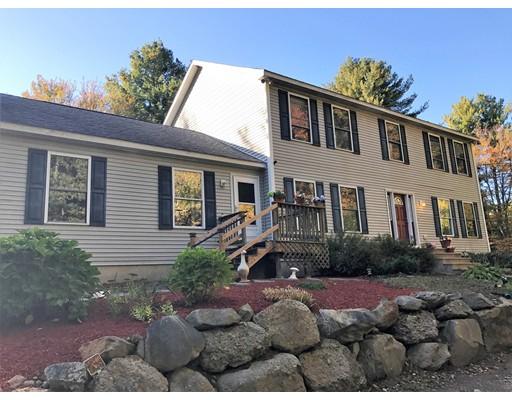 Maison unifamiliale pour l Vente à 38 North Street 38 North Street Dighton, Massachusetts 02764 États-Unis