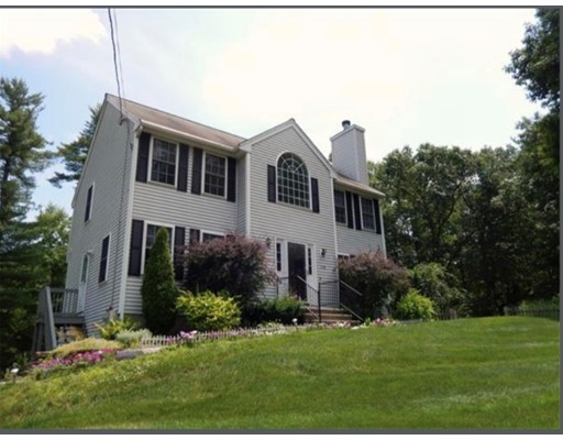 Single Family Home for Sale at 358 Westford Road 358 Westford Road Tyngsborough, Massachusetts 01879 United States