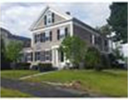 واحد منزل الأسرة للـ Sale في 100 Main Street 100 Main Street Monson, Massachusetts 01057 United States