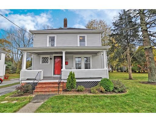 独户住宅 为 销售 在 460 Center Street 460 Center Street Bridgewater, 马萨诸塞州 02324 美国
