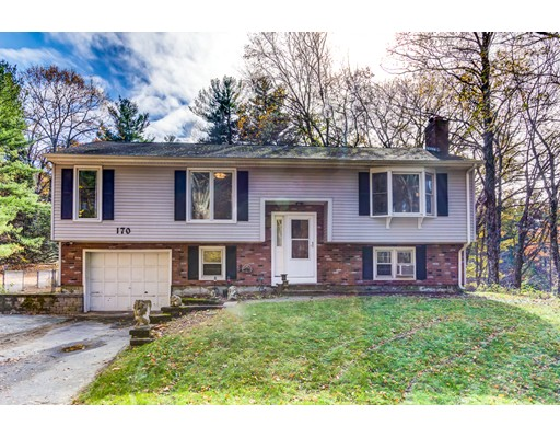 Single Family Home for Sale at 170 Armsby Road 170 Armsby Road Sutton, Massachusetts 01590 United States