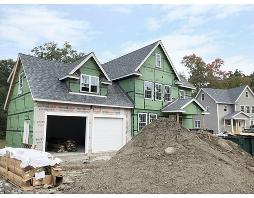 واحد منزل الأسرة للـ Sale في 4 Nashua Street Extension 4 Nashua Street Extension Ayer, Massachusetts 01432 United States