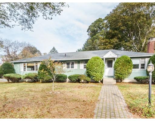 独户住宅 为 销售 在 3 Trickett Road 林菲尔德, 01940 美国