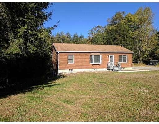 Maison unifamiliale pour l Vente à 115 Huckleberry Lane 115 Huckleberry Lane Becket, Massachusetts 01223 États-Unis