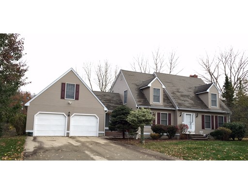 Single Family Home for Sale at 5 Camelot Road 5 Camelot Road Windham, New Hampshire 03087 United States