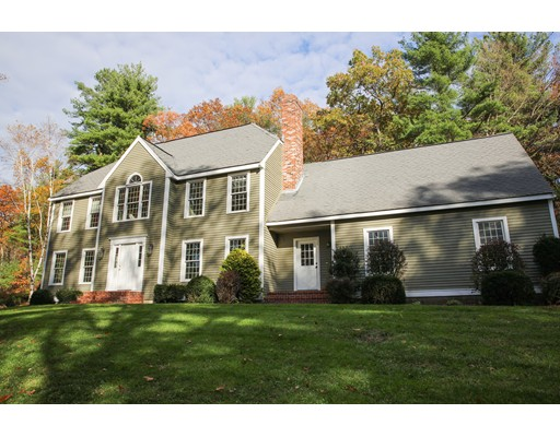 Single Family Home for Sale at 174 Saddle Hill Road 174 Saddle Hill Road Hopkinton, Massachusetts 01748 United States