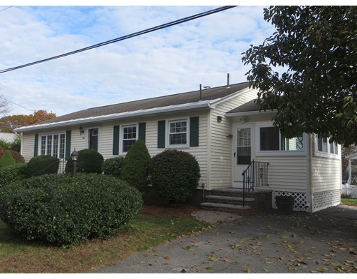 Single Family Home for Sale at 9 7Th Avenue 9 7Th Avenue Dracut, Massachusetts 01826 United States