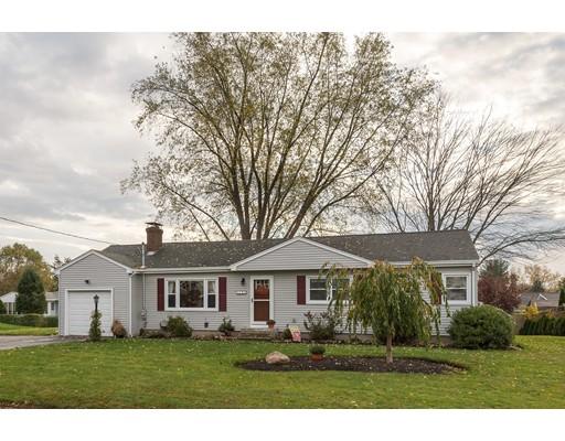 Casa Unifamiliar por un Venta en 15 Green Street 15 Green Street Cumberland, Rhode Island 02864 Estados Unidos