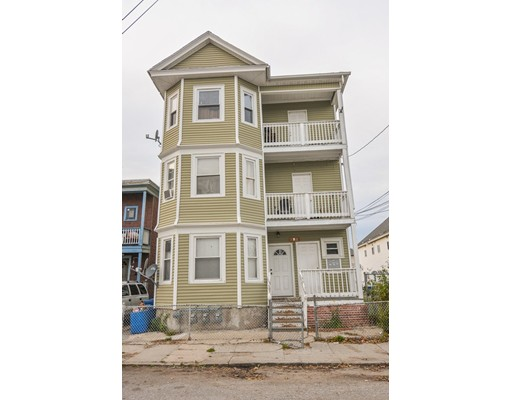 Maison avec plusieurs logements pour l Vente à 1 Wendell Street 1 Wendell Street Lawrence, Massachusetts 01841 États-Unis