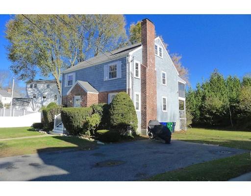 Maison avec plusieurs logements pour l Vente à 40 Hatfield Road 40 Hatfield Road Newton, Massachusetts 02465 États-Unis