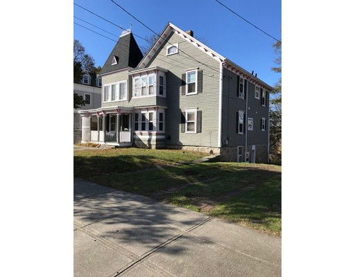 Single Family Home for Sale at 924 Highland Avenue 924 Highland Avenue Fall River, Massachusetts 02720 United States