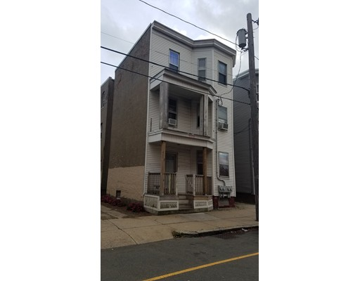 Maison avec plusieurs logements pour l Vente à 167 Walnut Street 167 Walnut Street Chelsea, Massachusetts 02150 États-Unis