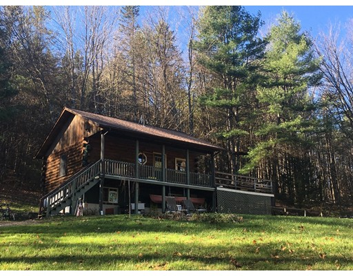 Casa Unifamiliar por un Venta en 2701 Shelburne Falls Road 2701 Shelburne Falls Road Conway, Massachusetts 01341 Estados Unidos