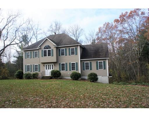 Casa Unifamiliar por un Venta en 380 Richardson Road 380 Richardson Road Dracut, Massachusetts 01826 Estados Unidos