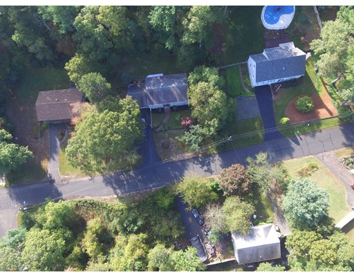 Casa para uma família para Venda às 67 Autumn Drive 67 Autumn Drive Barnstable, Massachusetts 02632 Estados Unidos