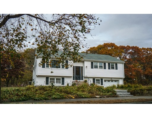 Single Family Home for Sale at 17 GRANDVIEW ROAD 17 GRANDVIEW ROAD Danvers, Massachusetts 01923 United States