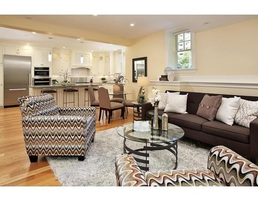 Kat Mülkiyeti için Satış at 1517 Beacon Street 1517 Beacon Street Brookline, Massachusetts 02446 Amerika Birleşik Devletleri