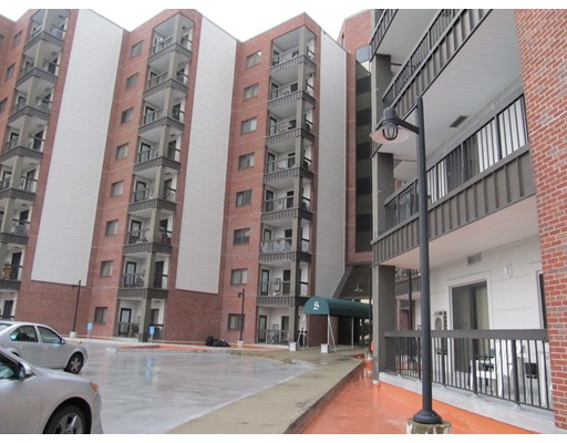 Condominio por un Alquiler en 90 Quincy Shore Dr #621 90 Quincy Shore Dr #621 Quincy, Massachusetts 02171 Estados Unidos