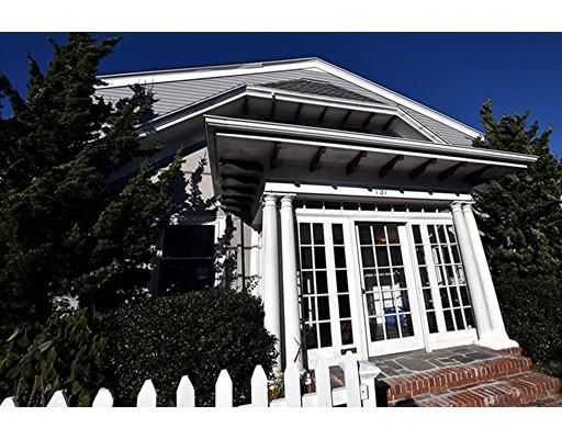 واحد منزل الأسرة للـ Sale في 131 Castle Road 131 Castle Road Nahant, Massachusetts 01908 United States