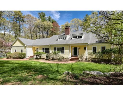 Maison unifamiliale pour l Vente à 21 Greenwood Street 21 Greenwood Street Sherborn, Massachusetts 01770 États-Unis