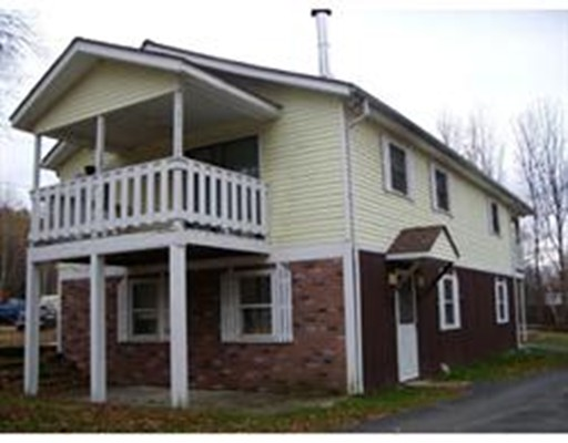 多户住宅 为 销售 在 131 Fairman Road 131 Fairman Road Orange, 马萨诸塞州 01364 美国