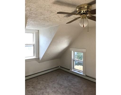 Casa Unifamiliar por un Alquiler en 15 Carlton Street Somerville, Massachusetts 02143 Estados Unidos