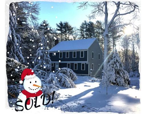 独户住宅 为 销售 在 35 Cross Street 35 Cross Street 达克斯伯里, 马萨诸塞州 02332 美国