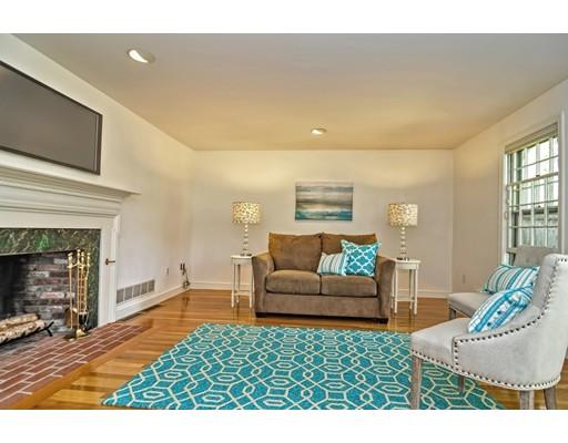独户住宅 为 销售 在 1505 MASSACHUSETTS Avenue 1505 MASSACHUSETTS Avenue Lexington, 马萨诸塞州 02420 美国
