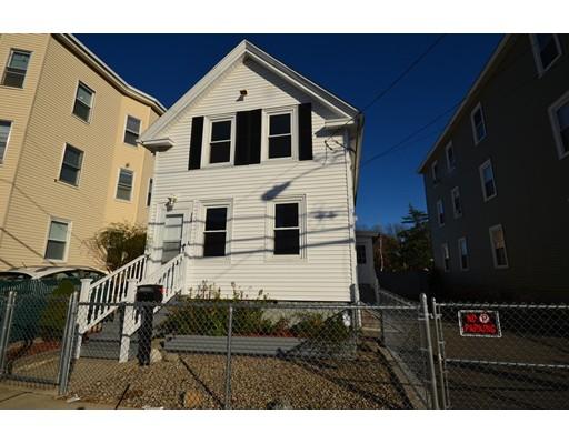 独户住宅 为 销售 在 17 Trenton Street Lawrence, 01841 美国