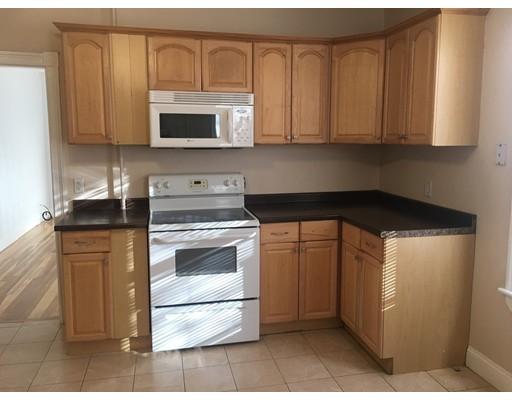 Casa Unifamiliar por un Alquiler en 7 Orchard Street 7 Orchard Street Wakefield, Massachusetts 01880 Estados Unidos