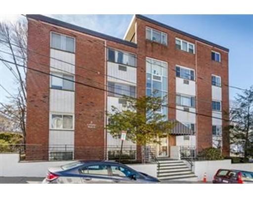 独户住宅 为 出租 在 2 Larose Place 波士顿, 02135 美国