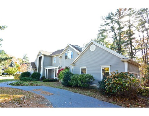 Single Family Home for Sale at 25 Indian Rock Road 25 Indian Rock Road Natick, Massachusetts 01760 United States