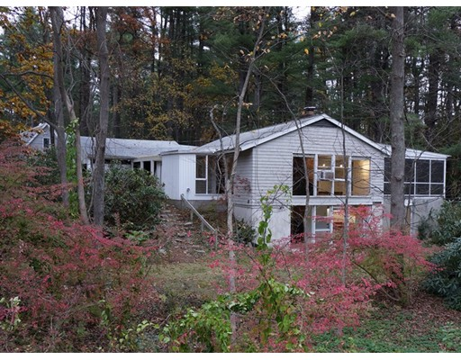 Single Family Home for Rent at 114 Holden Wood Road 114 Holden Wood Road Concord, Massachusetts 01742 United States