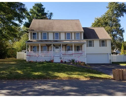 Single Family Home for Rent at 11 Overlook Avenue 11 Overlook Avenue Burlington, Massachusetts 01803 United States