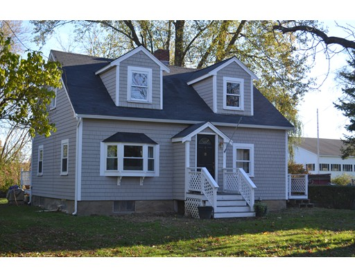 Single Family Home for Sale at 18 Forest Avenue 18 Forest Avenue Essex, Massachusetts 01929 United States