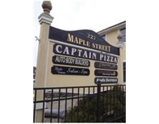 Comercial por un Alquiler en 227 Maple Street 227 Maple Street Middleton, Massachusetts 01949 Estados Unidos