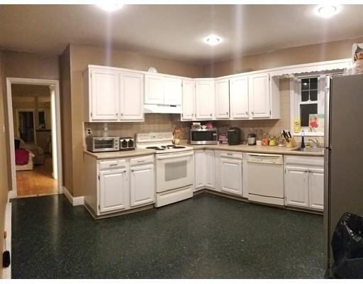 Casa Multifamiliar por un Venta en 44 Hawthorn Avenue 44 Hawthorn Avenue Winthrop, Massachusetts 02152 Estados Unidos