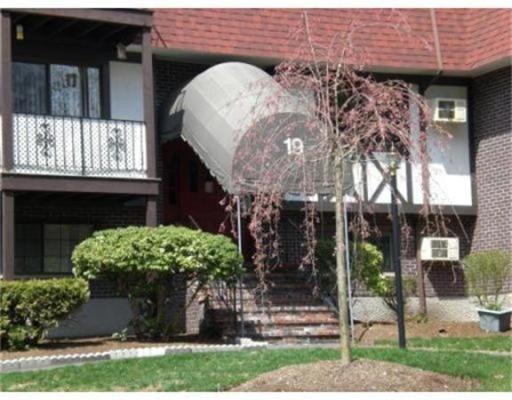 Condominio por un Alquiler en 19 Erick Road #6B 19 Erick Road #6B Mansfield, Massachusetts 02048 Estados Unidos