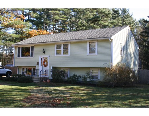 Single Family Home for Sale at 5 Eastman Street 5 Eastman Street Carver, Massachusetts 02330 United States