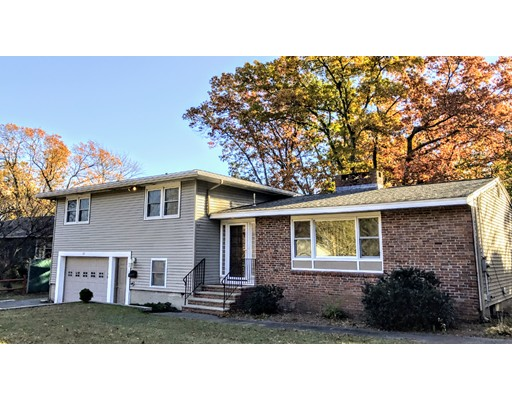 Maison unifamiliale pour l Vente à 115 S Bowdoin Street 115 S Bowdoin Street Lawrence, Massachusetts 01843 États-Unis