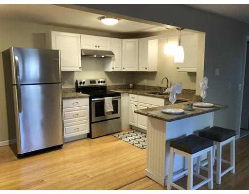 Condominio por un Alquiler en 21 East St. #2B 21 East St. #2B Mansfield, Massachusetts 02048 Estados Unidos