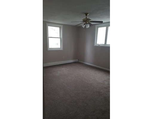 Single Family Home for Rent at 42 Rocliffe 42 Rocliffe Fall River, Massachusetts 02721 United States