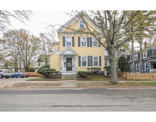 Casa Unifamiliar por un Alquiler en 26 Avon Street 26 Avon Street Wakefield, Massachusetts 01880 Estados Unidos