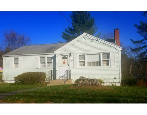 Picture 2 of 17 Samoset Rd  Woburn Ma 3 Bedroom Single Family