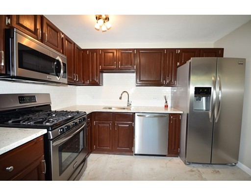 独户住宅 为 出租 在 25 Farrwood Avenue 北安德沃, 01845 美国