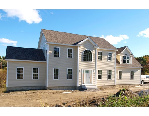 Single Family Home for Sale at 5 Oetman Way 5 Oetman Way Lancaster, Massachusetts 01523 United States