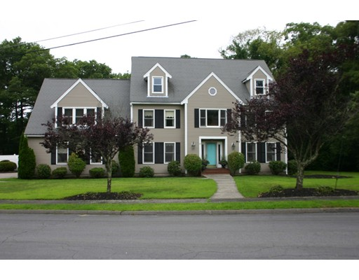Single Family Home for Sale at 37 Cobble Knoll Drive 37 Cobble Knoll Drive Walpole, Massachusetts 02071 United States