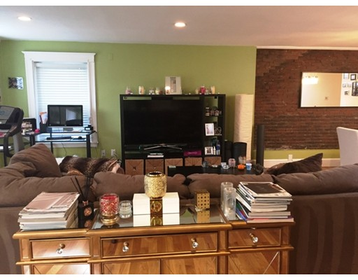 Additional photo for property listing at 134 Marlborough Street  Boston, Massachusetts 02116 Estados Unidos