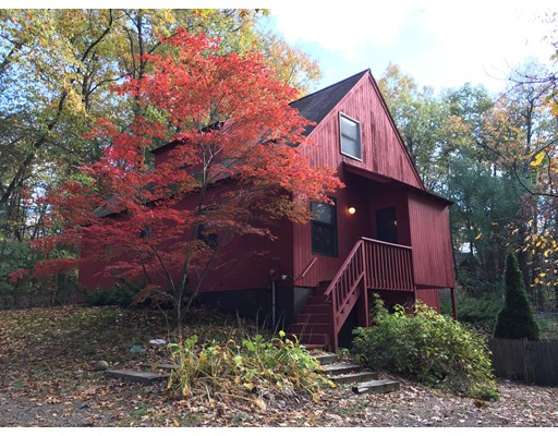 Single Family Home for Sale at 7 Indian Pipe Lane 7 Indian Pipe Lane Amherst, Massachusetts 01002 United States